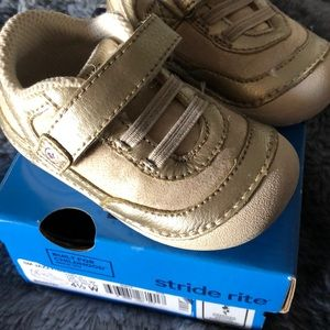 Stride rite girls baby sneakers size 4.5 w